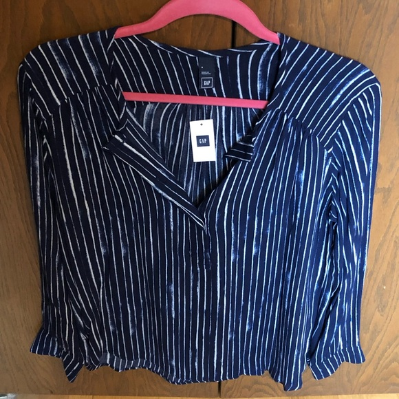 GAP Tops - Gap striped top size small NWT blue striped